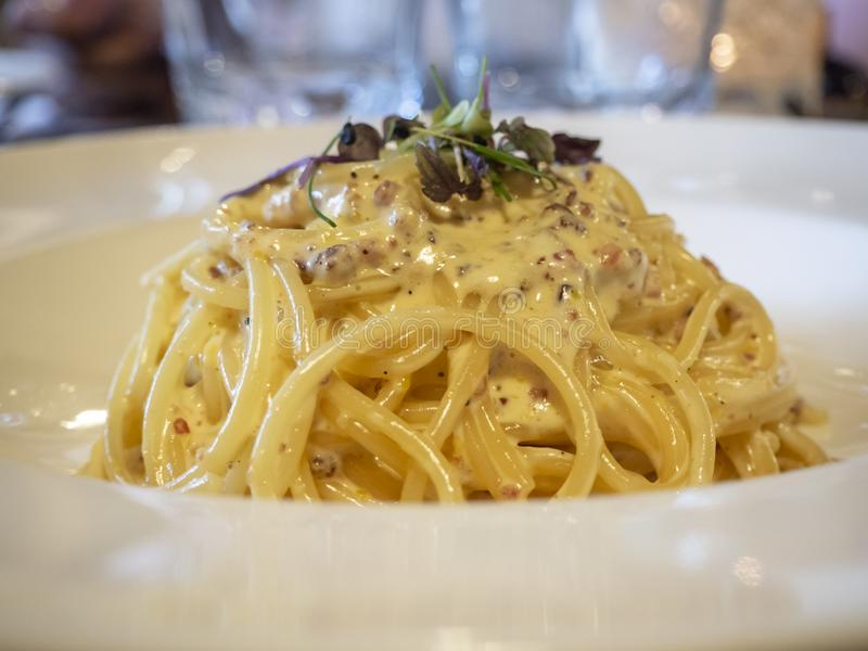 意粉carbonara,传统意大利食物 免版税库存图片