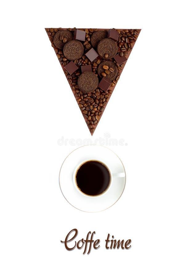感叹号甜产品和一杯咖啡在白色背景的 免版税图库摄影