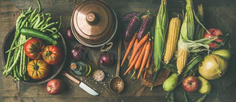 感恩天晚餐准备的秋天健康成份 免版税库存图片