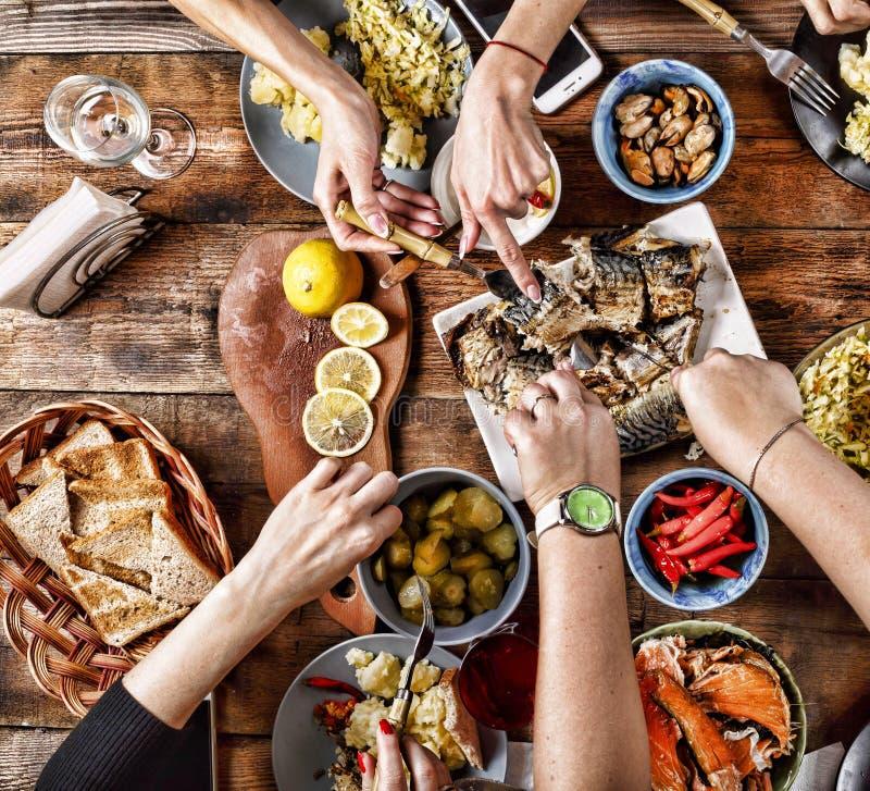 感恩庆祝传统晚餐设置食物概念 免版税库存照片