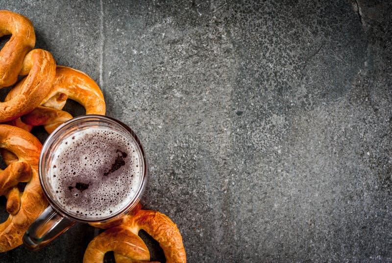 慕尼黑啤酒节的选择食物 免版税库存图片