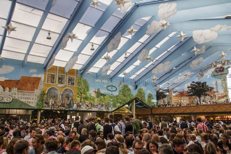慕尼黑啤酒节的黑客Festzelt在慕尼黑,德国, 2015年 免版税库存照片