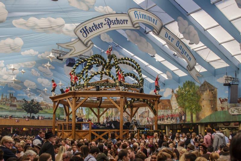 慕尼黑啤酒节的黑客Festzelt在慕尼黑,德国, 2015年 免版税库存图片