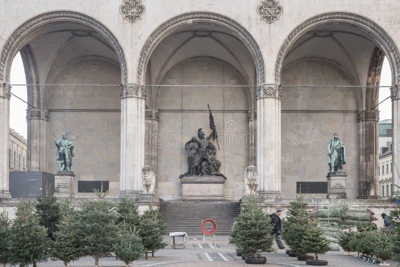 慕尼黑- 2015年12月4日 装饰圣诞节的杉树 免版税库存照片