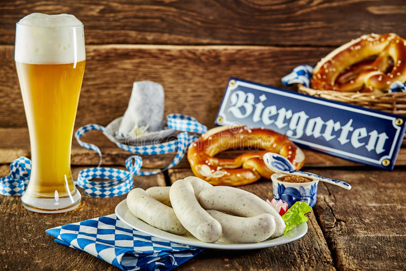 慕尼黑的慕尼黑啤酒节小酒馆膳食 库存照片