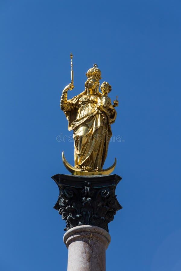 慕尼黑的玛丽亚专栏Marienplatz的,德国, 2015年 库存图片