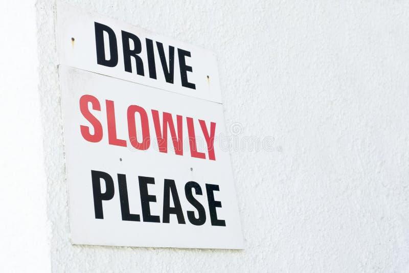 慢推进公路安全标志 库存图片