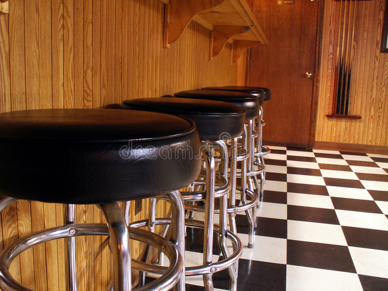 Download 慢的晚上 库存照片. 图片 包括有 凳子, 酒精, 商业, 预期, 开会, 开放, 位子, 鸡尾酒, 保持平衡 - 188744
