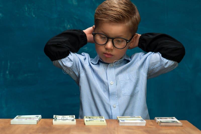 成功的企业孩子画象工作场所的 免版税库存照片