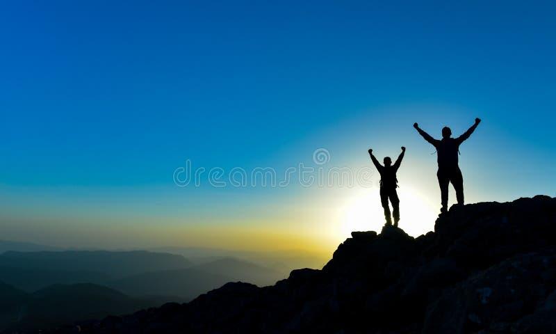 成功的登山人 库存照片