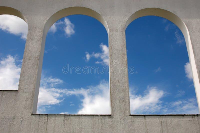 成拱形天空 免版税图库摄影