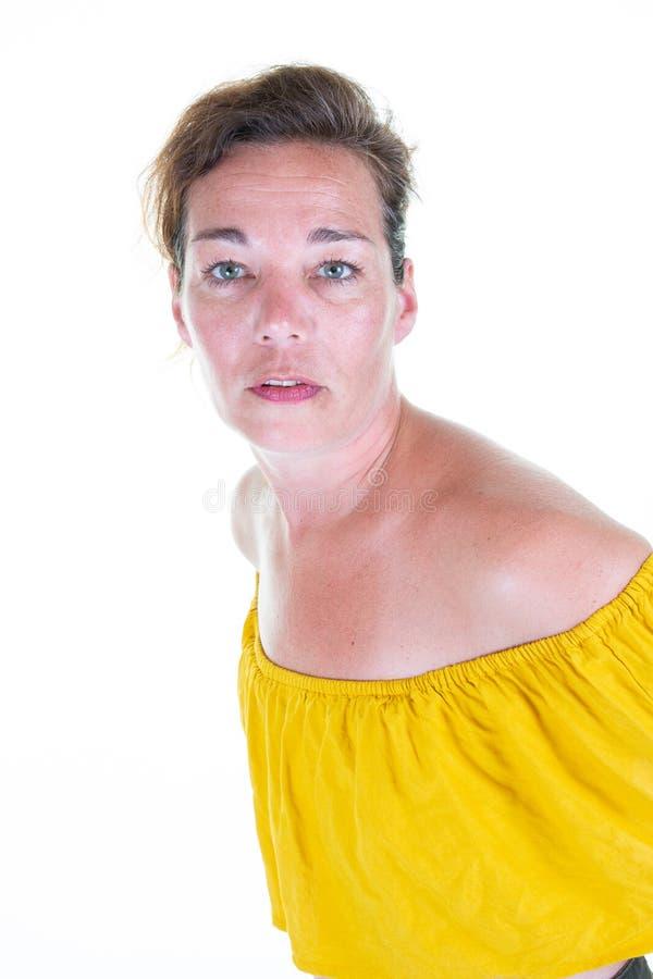 成熟妇女画象确信在白色背景中 免版税库存图片