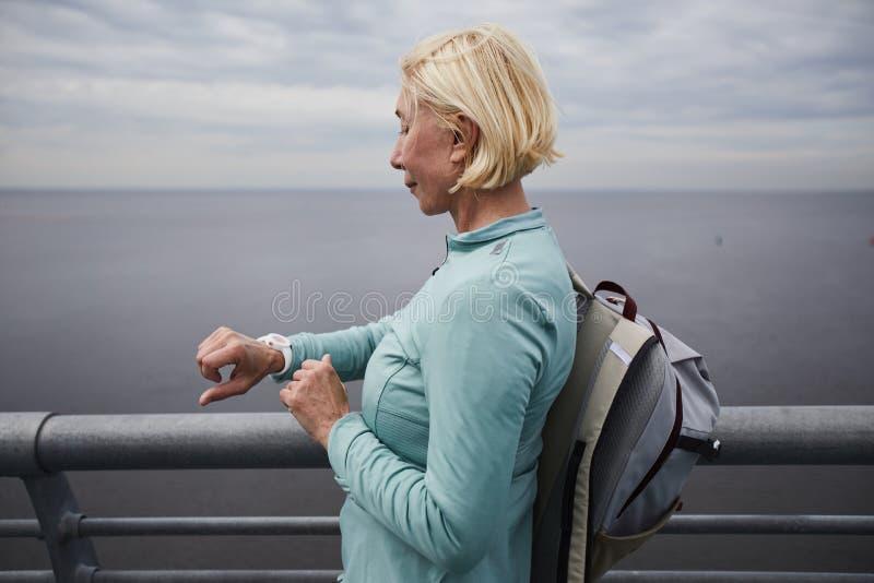 成熟旅客 免版税库存照片