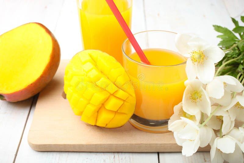 成熟水多的芒果 库存照片