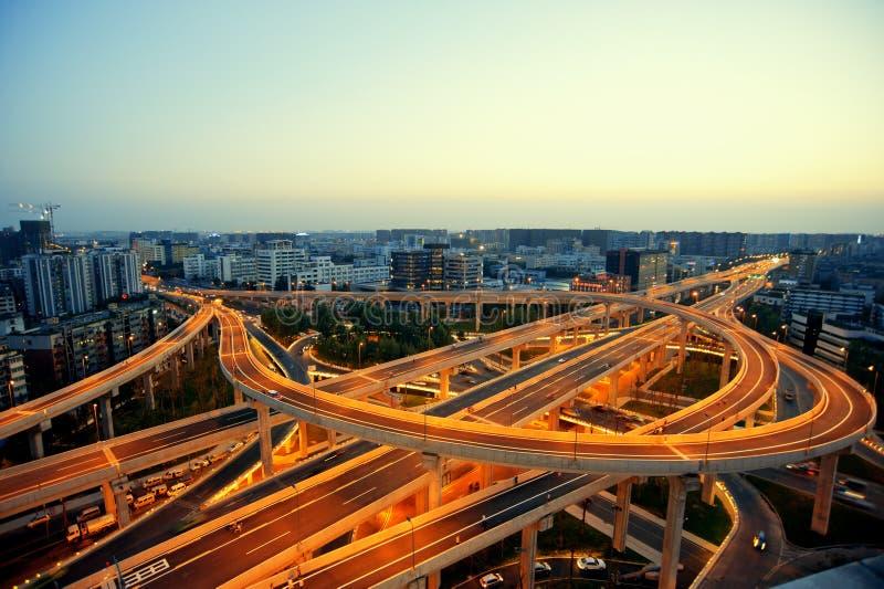 成都,中国,城市天桥在晚上 库存照片