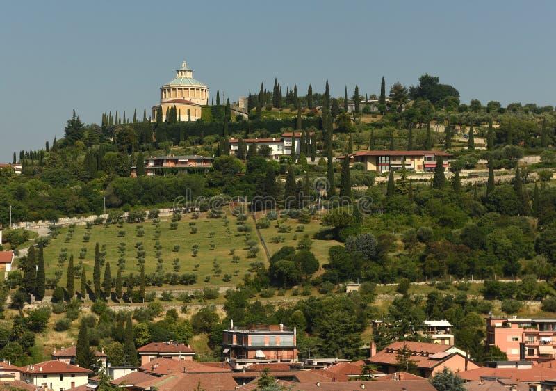 我们的卢尔德Santuario della玛丹娜二卢尔德的夫人寺庙  免版税库存图片