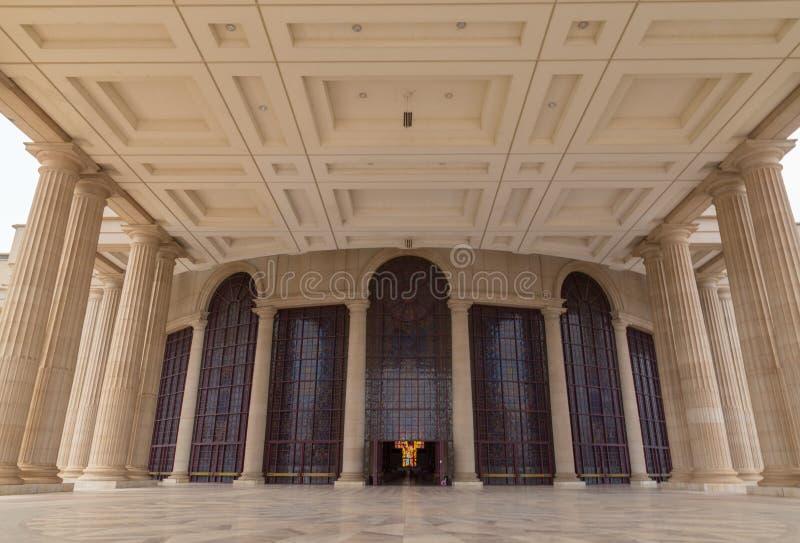 我们的和平的夫人大教堂的门廊  免版税图库摄影