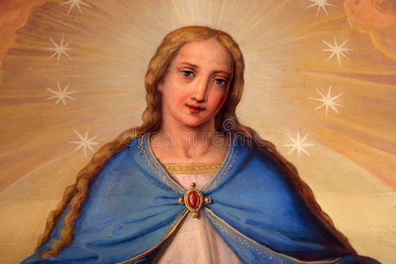 我们的夫人,组塑在耶稣圣心圣殿在萨格勒布 免版税库存照片