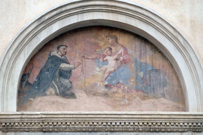 我们的有孩子的耶稣和圣多明尼克夫人 库存图片