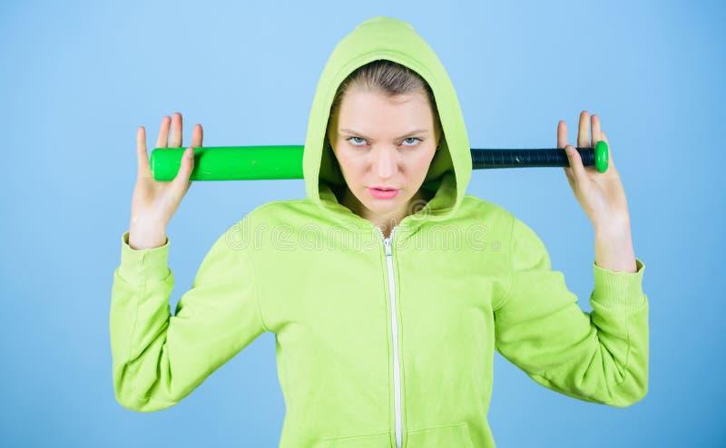 我是与棒球棒的最佳的妇女锻炼 运动器材 运动健身 战斗以侵略 agiler 库存图片