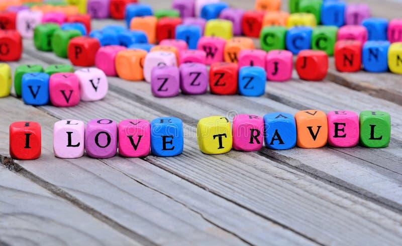 我爱在桌上的旅行词 免版税库存照片