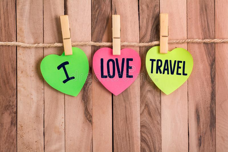 我爱旅行心形的笔记 库存照片