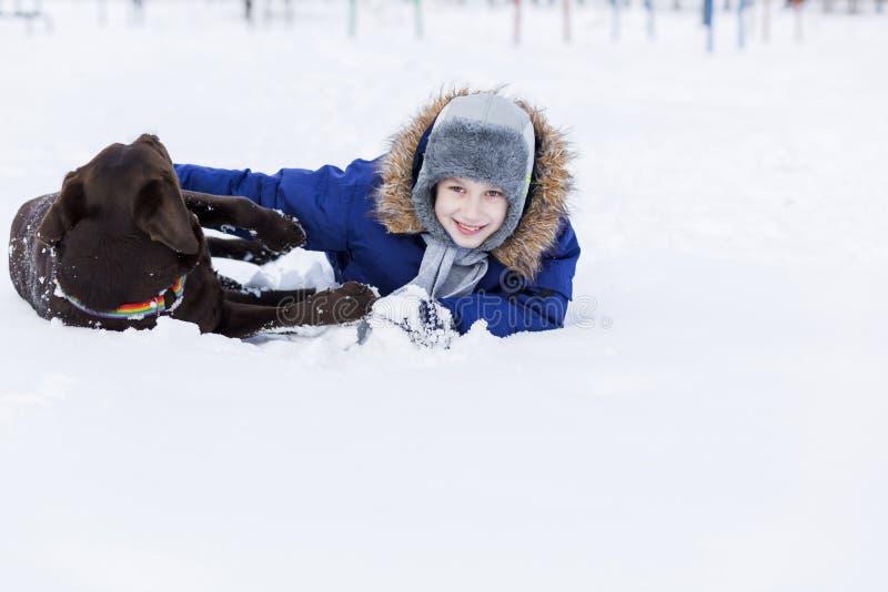 Download 我的最好的朋友和I 库存图片. 图片 包括有 快乐, 外面, 童年, 横向, 降雪, 室外, 多雪, 青年时期 - 59105969