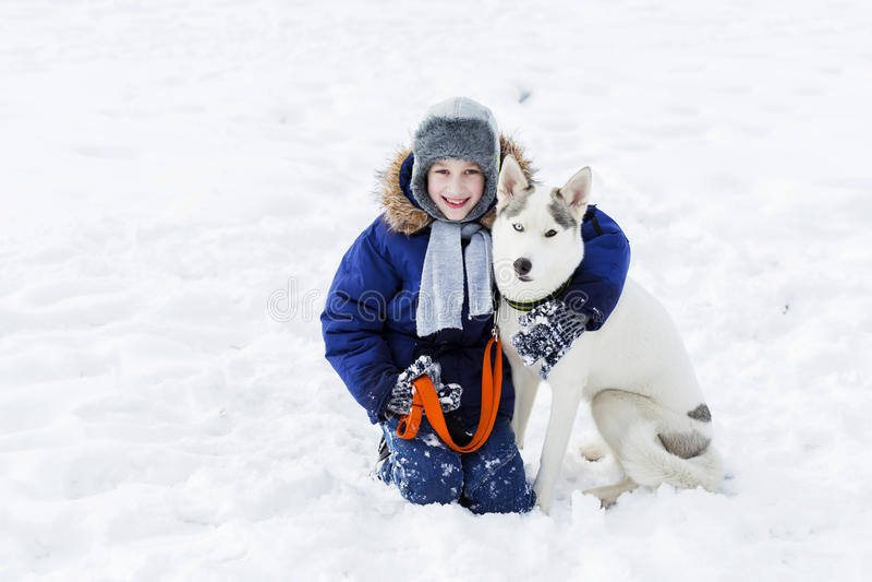 Download 我的最好的朋友和I 库存图片. 图片 包括有 冬天, 空白, 快乐, 室外, 青年时期, 敌意, 敬慕, 朋友 - 59105989