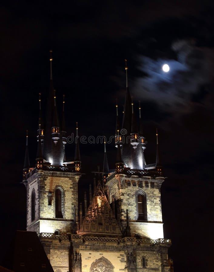 我们的夫人Berofe Tyn教会在晚上 库存照片
