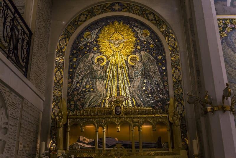 我们的神奇的奖牌的夫人教堂,巴黎,法国 库存图片