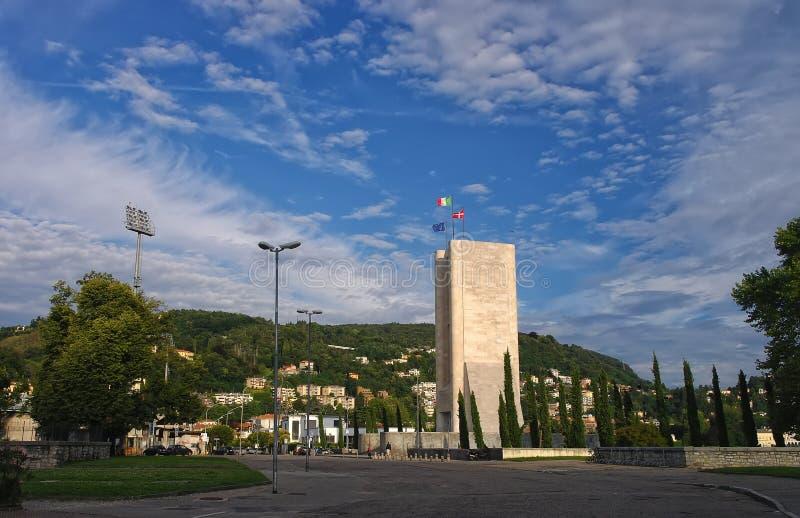 战争纪念建筑在科莫,意大利 库存图片