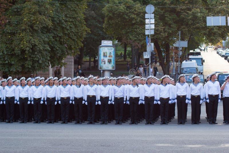 战士为游行做准备 免版税库存图片