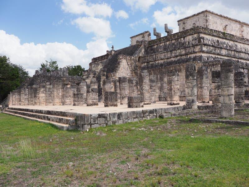 战士寺庙著名平台的风景边奇琴伊察市的在2月的墨西哥 库存图片