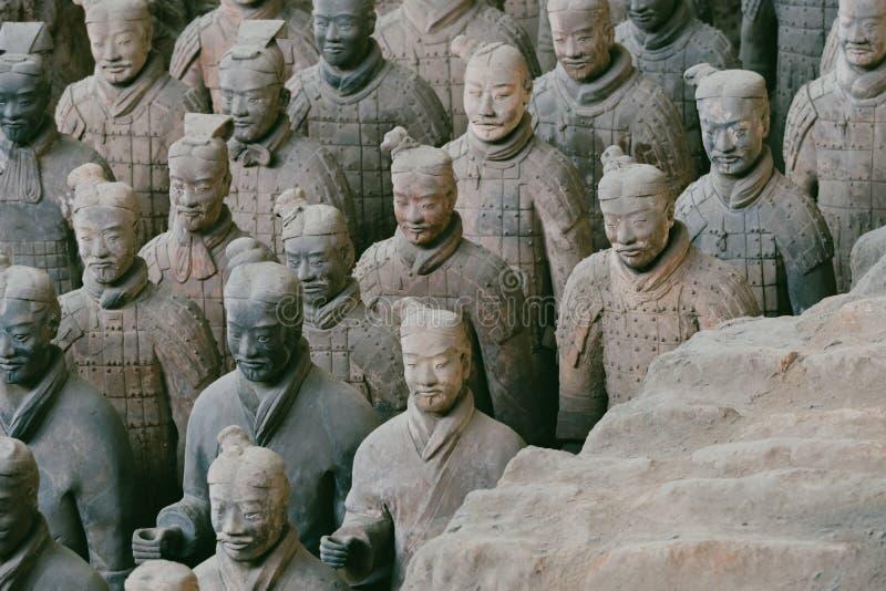 战士秦始皇兵马俑在羡,中国雕刻小组 库存照片