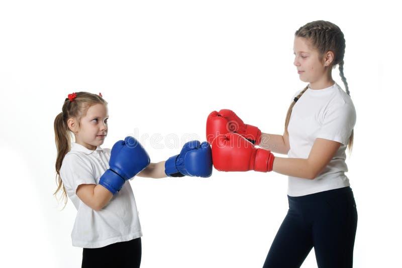 战斗在演播室的女孩 免版税库存图片