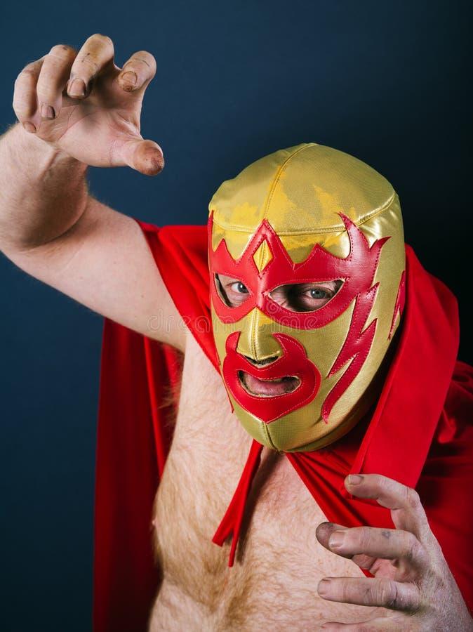 战斗姿势的墨西哥摔跤手 免版税库存图片