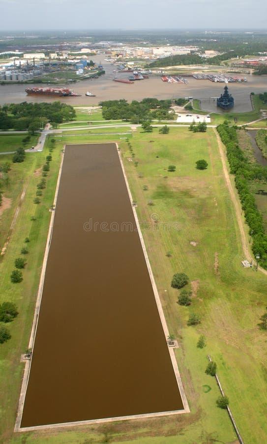 战舰休斯敦池塘端口反射 图库摄影