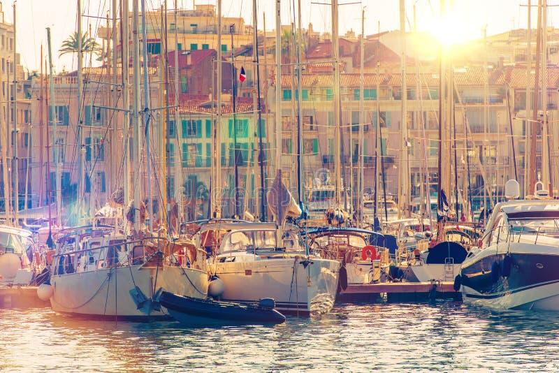 戛纳小游艇船坞法国海滨 库存图片