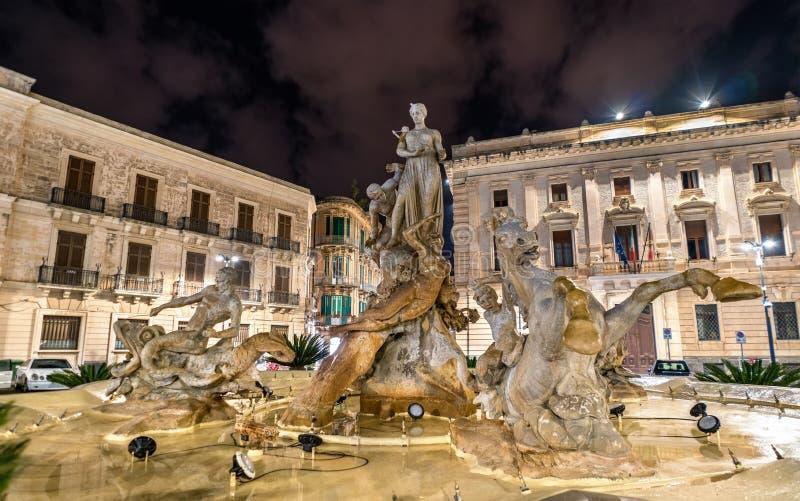 戴安娜喷泉在西勒鸠斯,意大利 库存图片