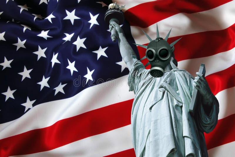 戴着防毒面具的自由女神像 图库摄影