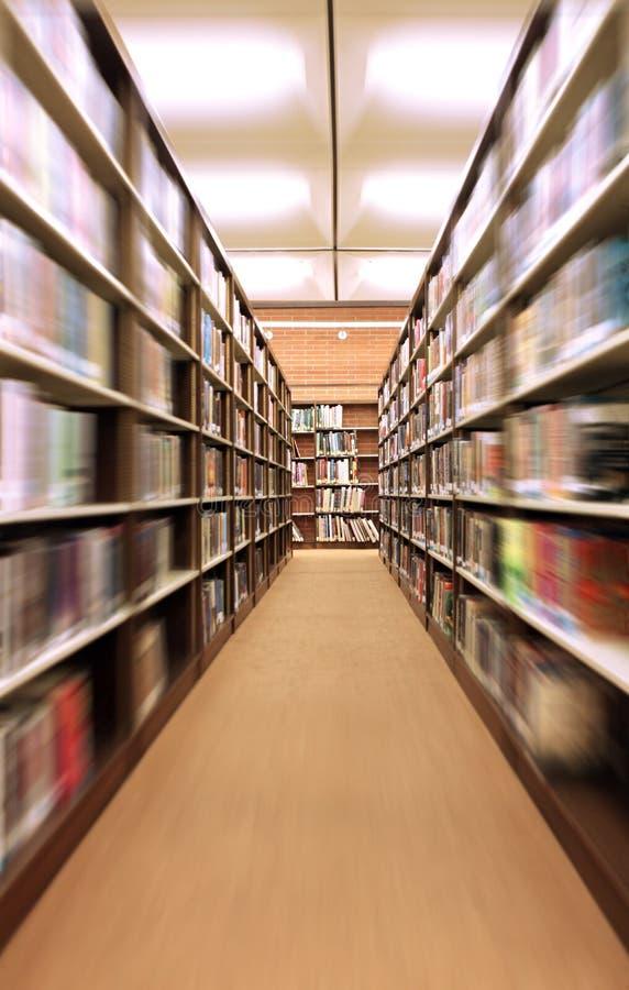 户内书架图书馆迅速了移动 库存照片
