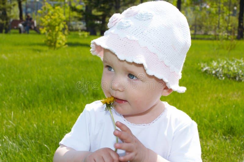 户外婴孩 免版税库存图片