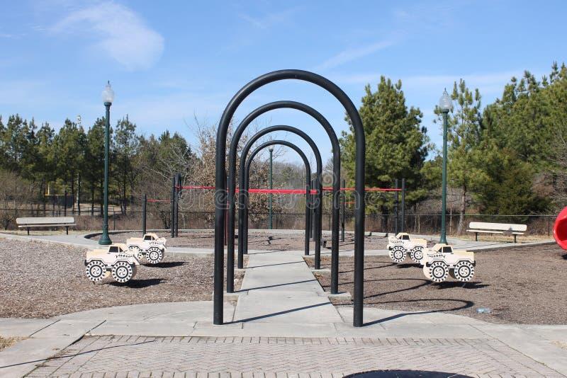 户外安置公园和蓝天 免版税库存图片