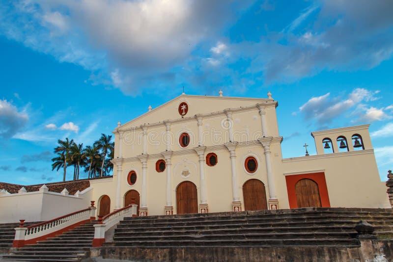 户外旧金山教会在格拉纳达,尼加拉瓜 库存照片