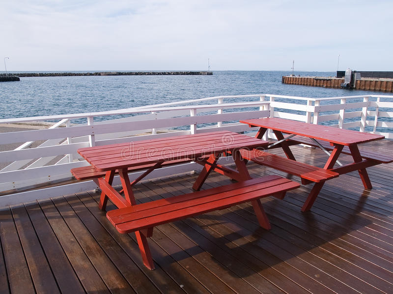 户外野餐海运表 免版税库存照片