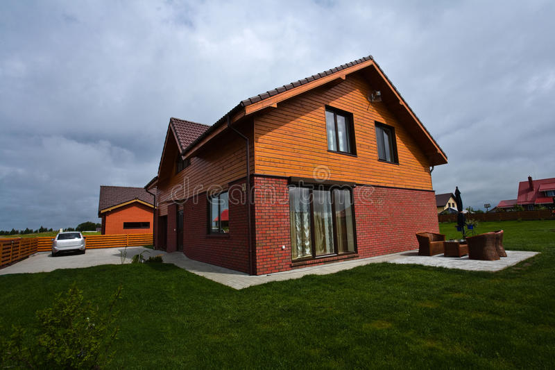 房子专用郊区 免版税库存图片