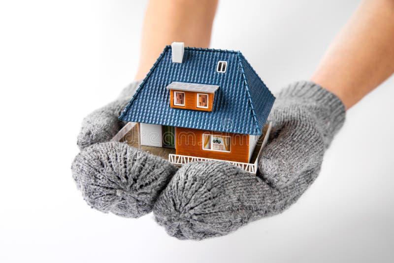 房子保险和绝缘材料概念 免版税库存图片