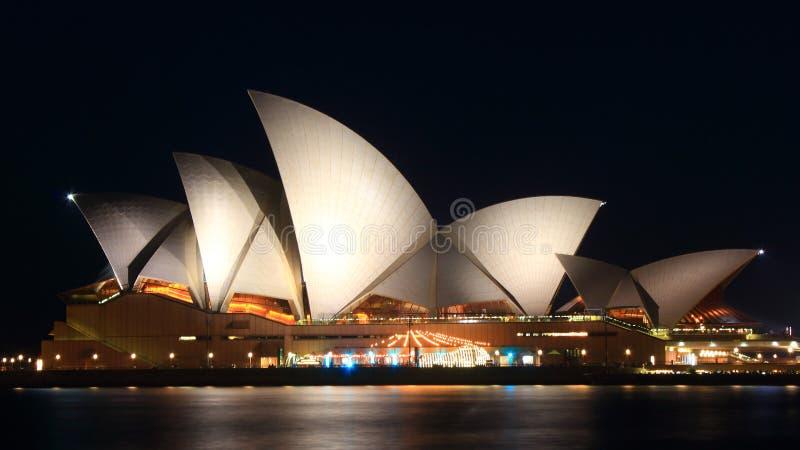 房子晚上歌剧悉尼 免版税库存图片