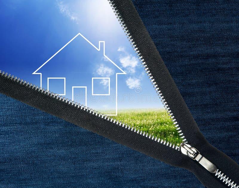 房子横向解压缩的拉链 免版税库存照片