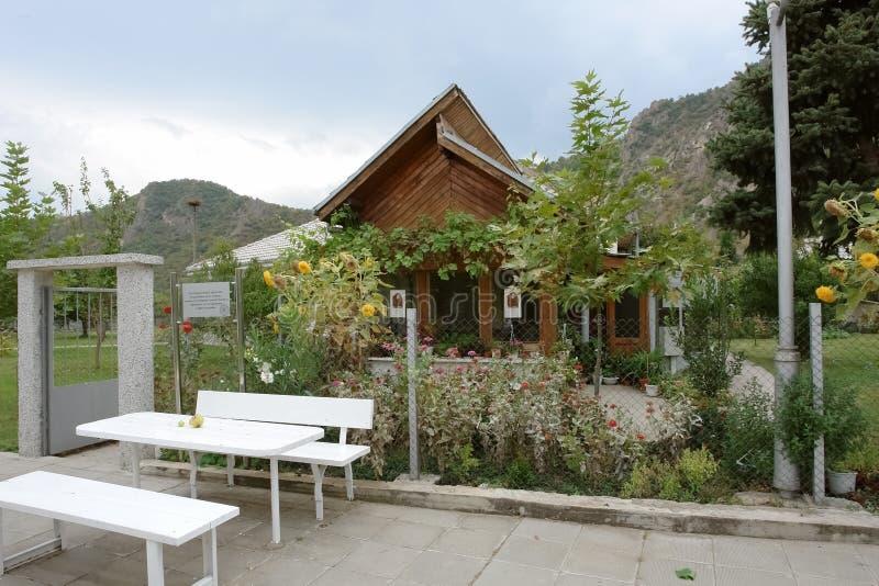 房子的看法有著名先知和clairvo的花的 库存图片